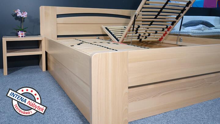 Detail boku postele Riči