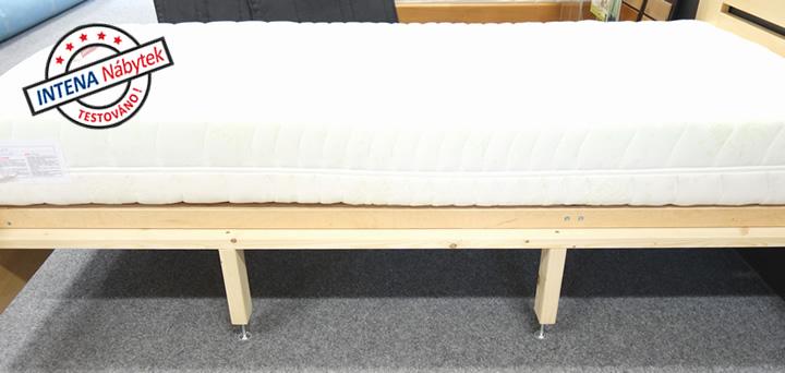 Detail vyztužení dřevěné postele Rocco